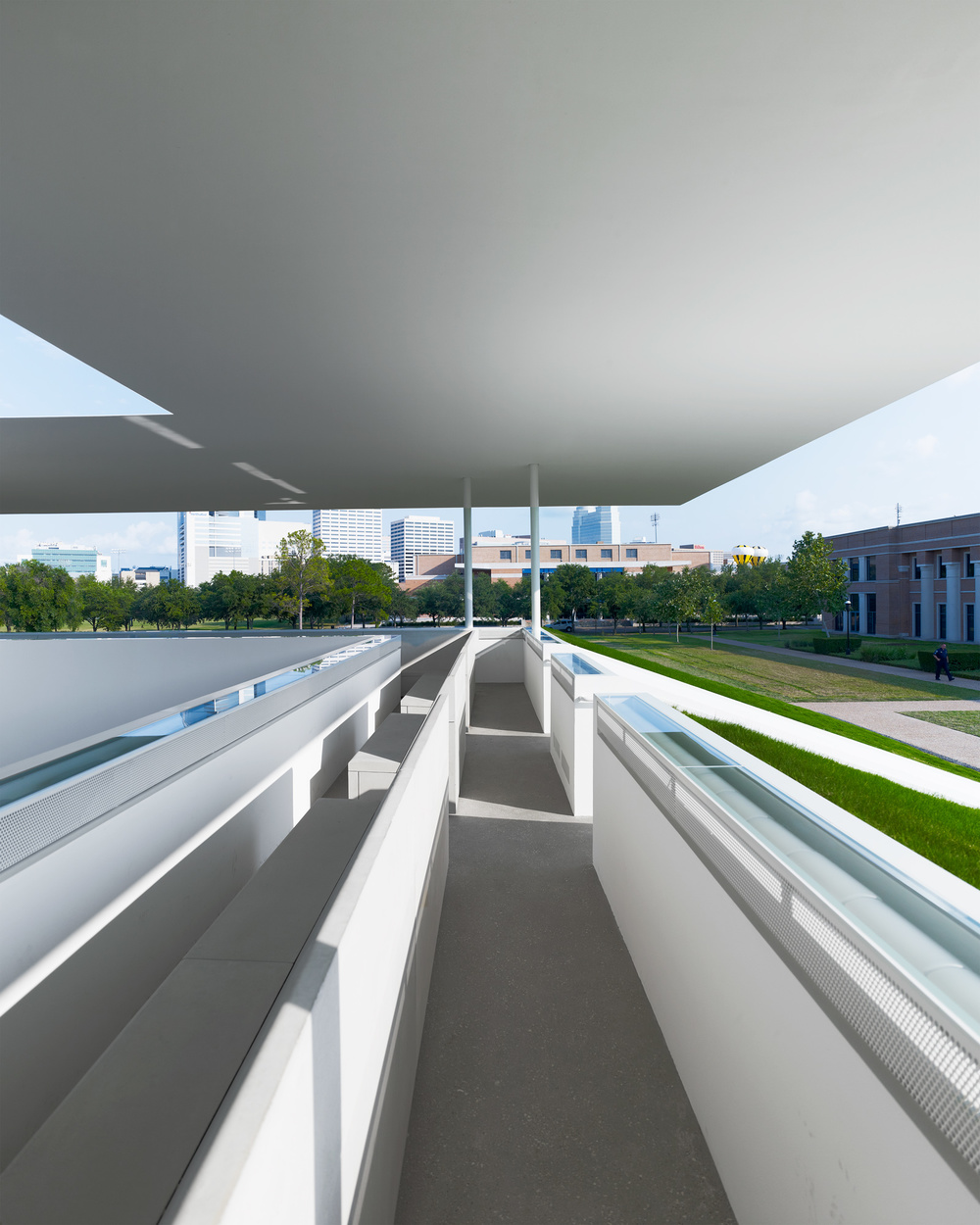 the-tree-mag_skyspace-rice-university-by-james-turrell_50.jpg