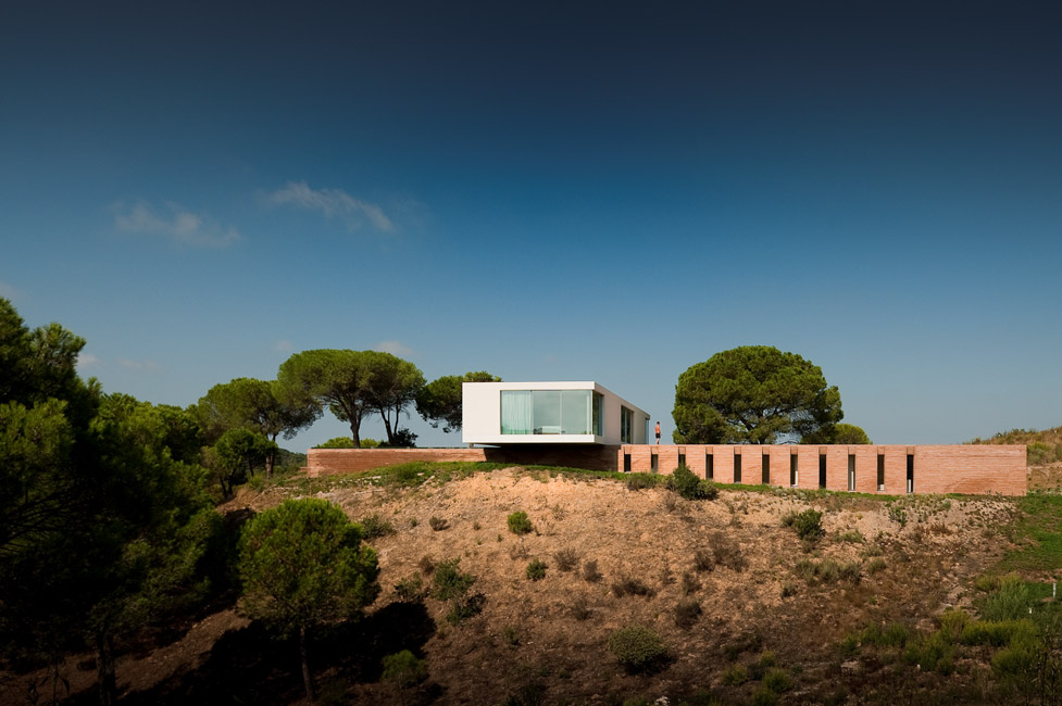 the-tree-mag_house-in-melides-by-pedro-reis_30.jpg