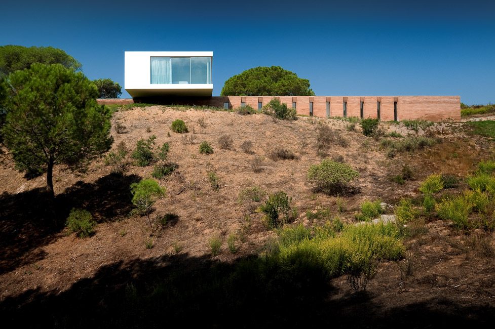 the-tree-mag_house-in-melides-by-pedro-reis_40.jpg
