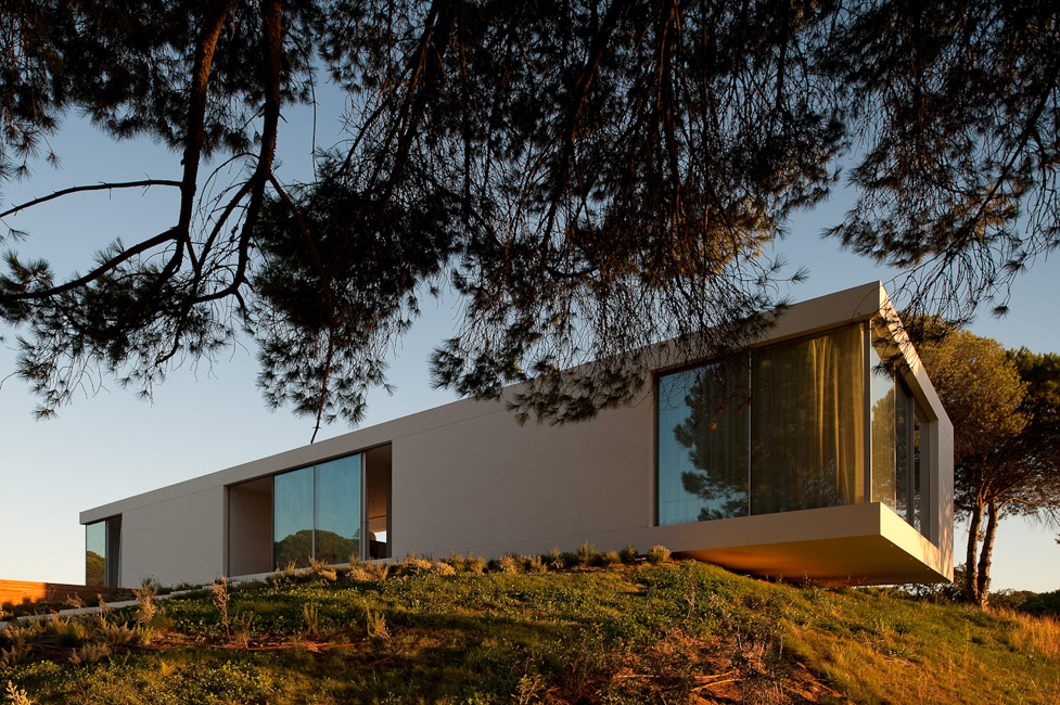the-tree-mag_house-in-melides-by-pedro-reis_160.jpg