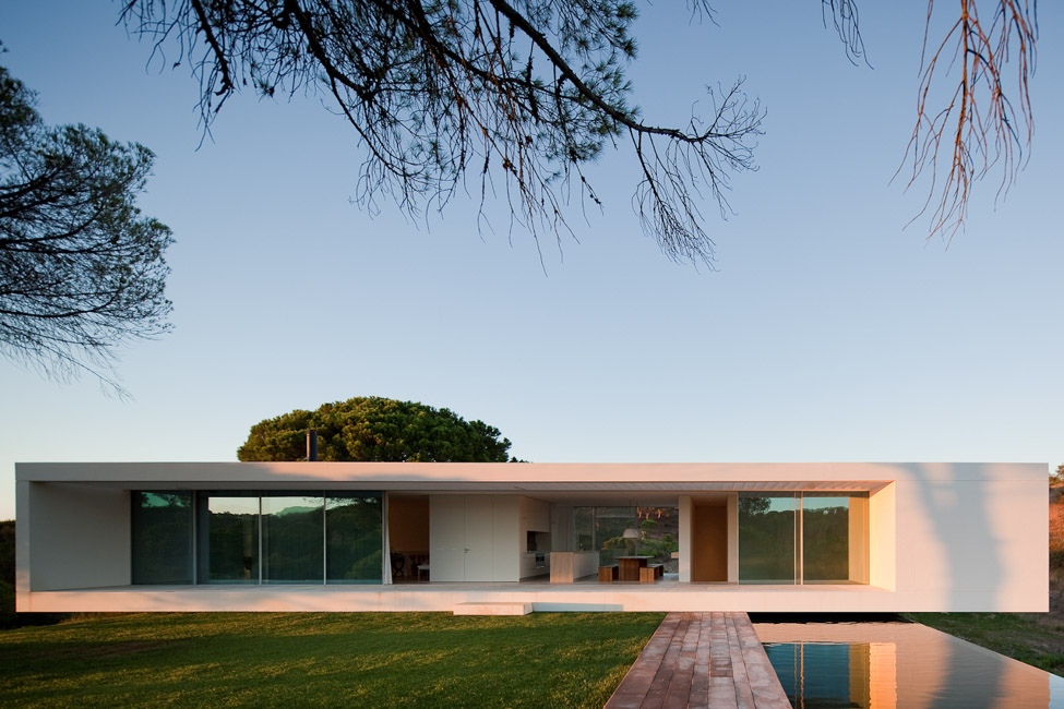 the-tree-mag_house-in-melides-by-pedro-reis_180.jpg