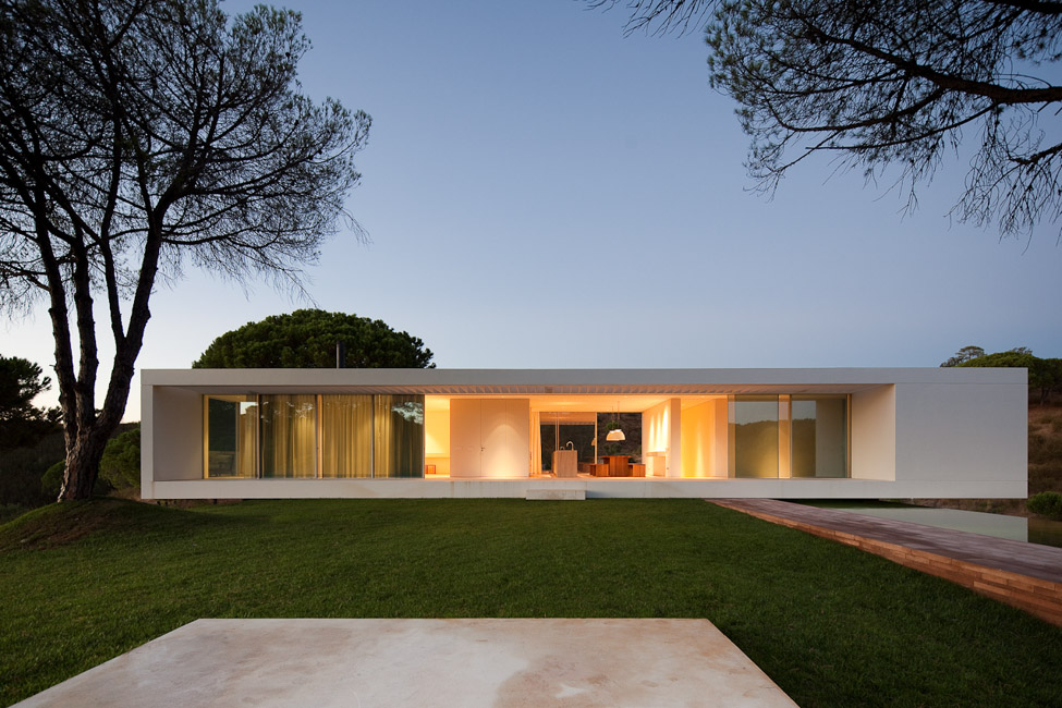the-tree-mag_house-in-melides-by-pedro-reis_190.jpg
