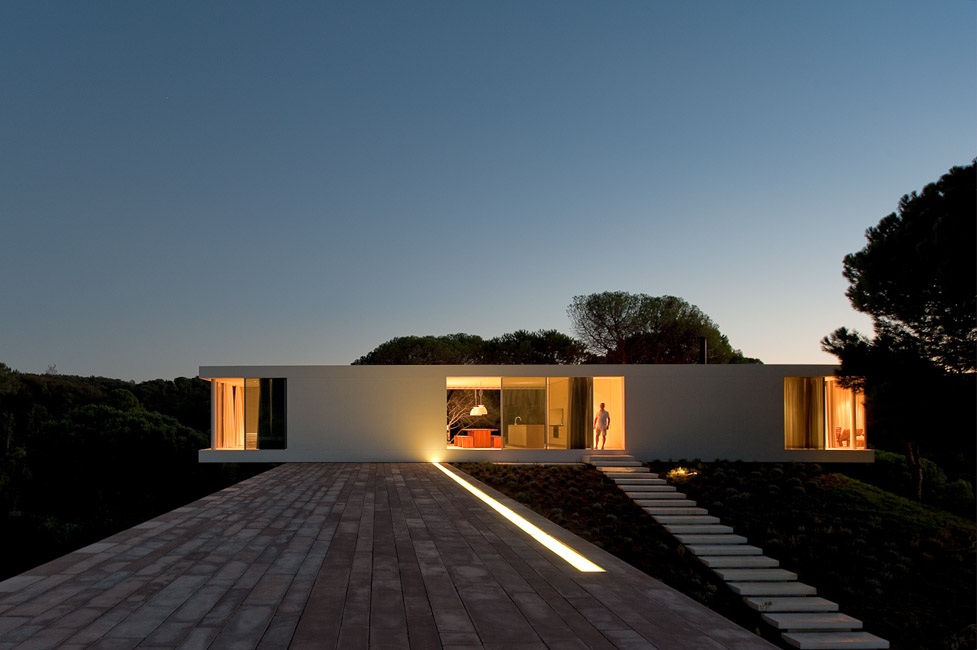 the-tree-mag_house-in-melides-by-pedro-reis_220.jpg