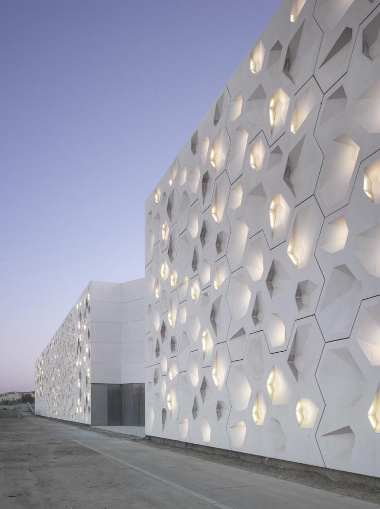 the-tree-mag_contemporary-arts-center-crdoba-by-nieto-sobejano-arquitectos_10.jpg