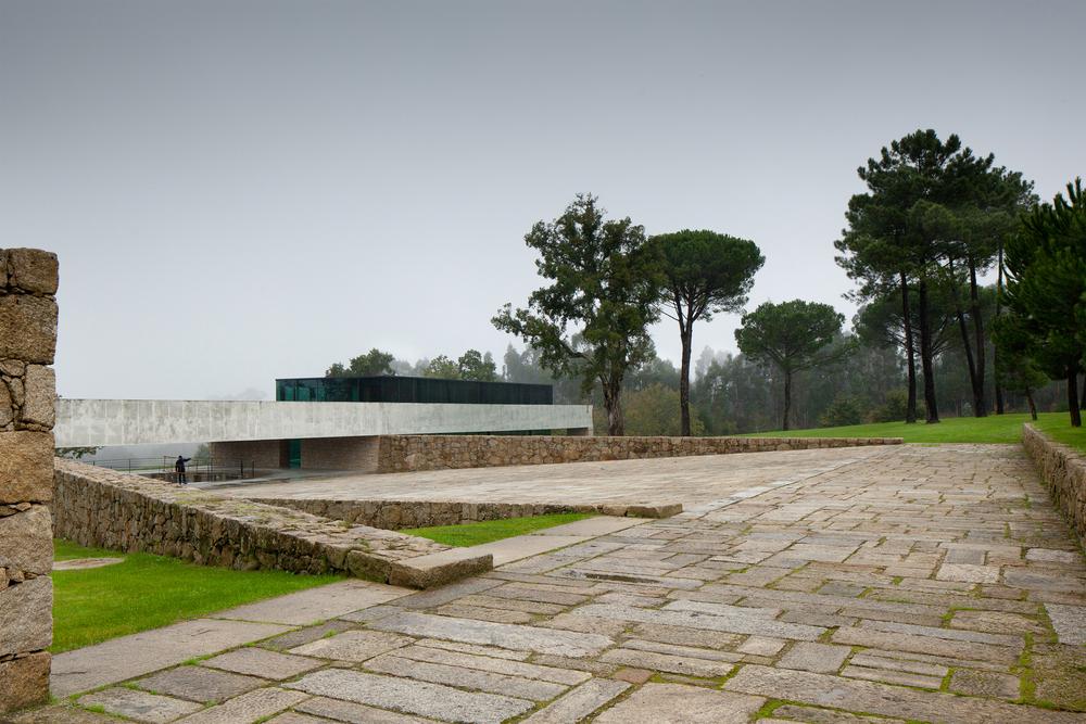 the-tree-mag_two-houses-in-mono-by-joo-paulo-loureiro_60.jpg