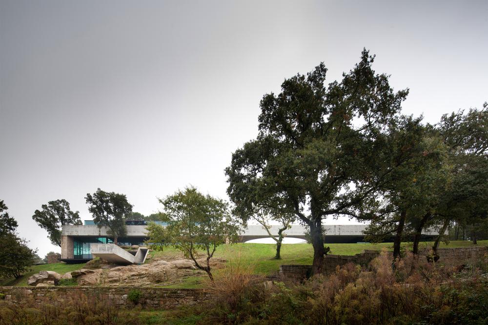 the-tree-mag_two-houses-in-mono-by-joo-paulo-loureiro_100.jpg