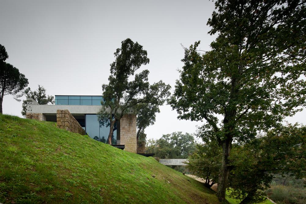 the-tree-mag_two-houses-in-mono-by-joo-paulo-loureiro_110.jpg