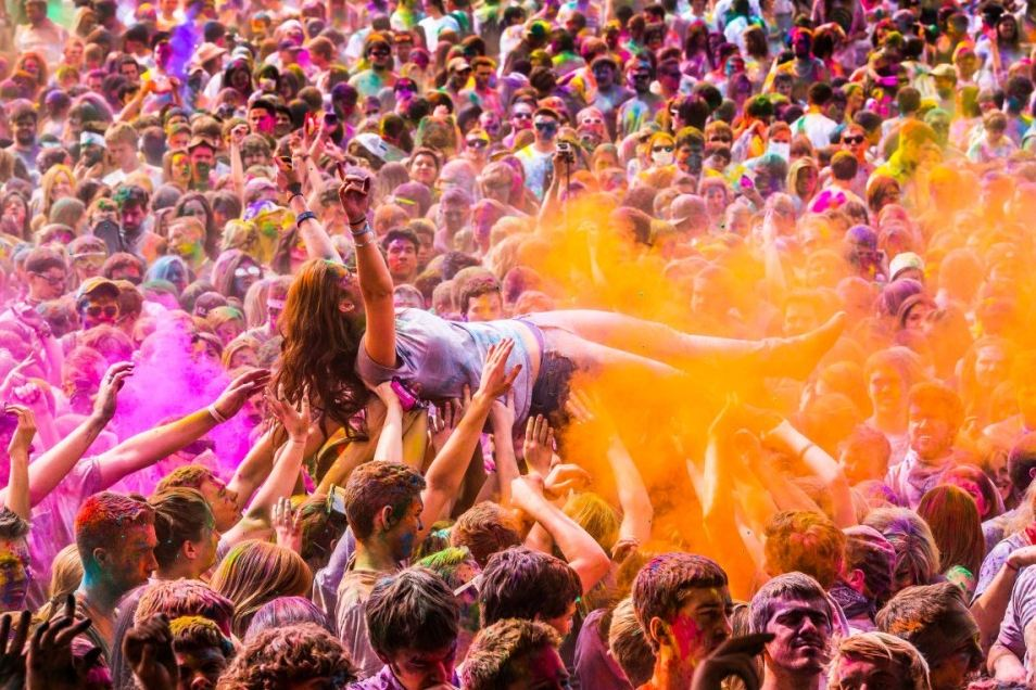 the-tree-mag_holi-festival_150.jpg