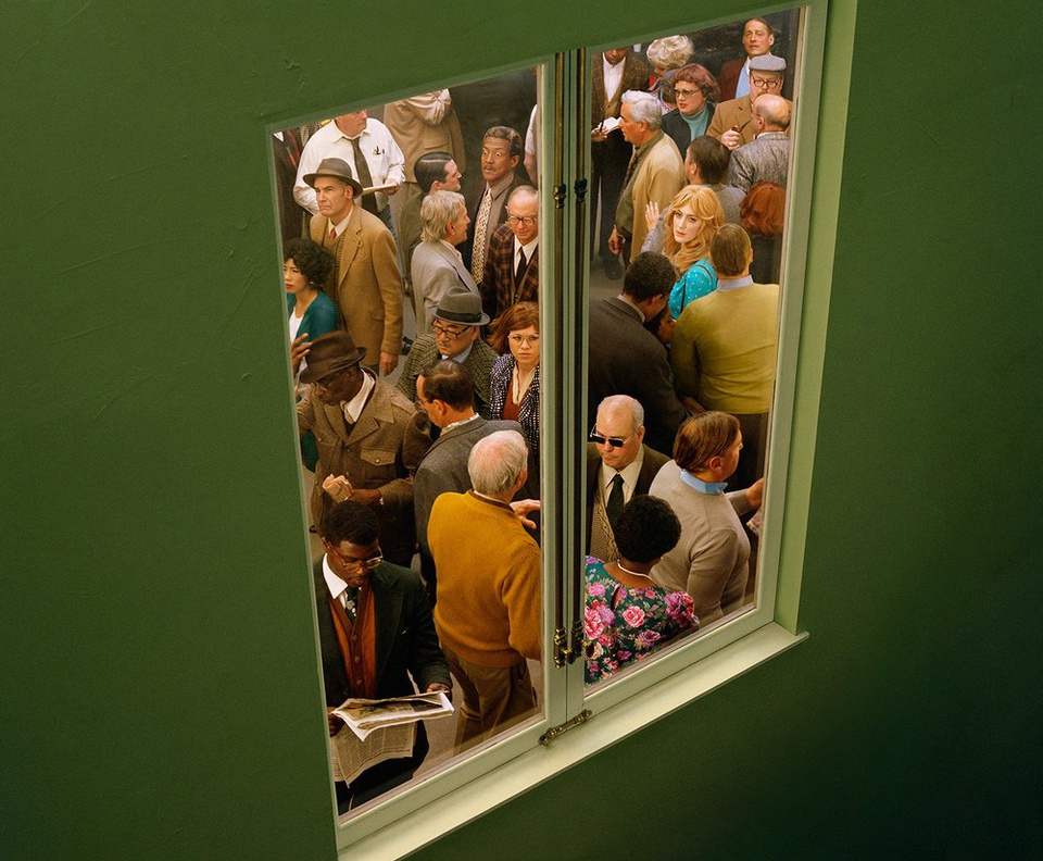 the-tree-mag_face-in-the-crowd-by-alex-prager_50.jpg