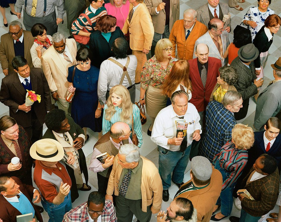 the-tree-mag_face-in-the-crowd-by-alex-prager_40.jpg