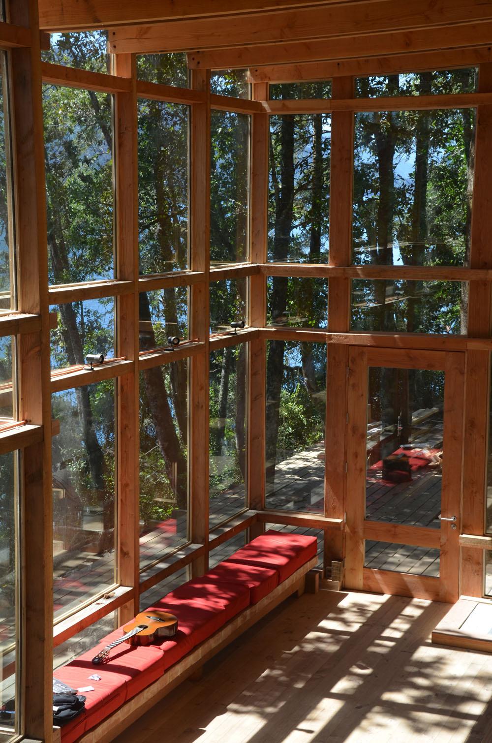 the-tree-mag_house-at-rupanco-lake-by-squella-arquitectos_70s.jpg