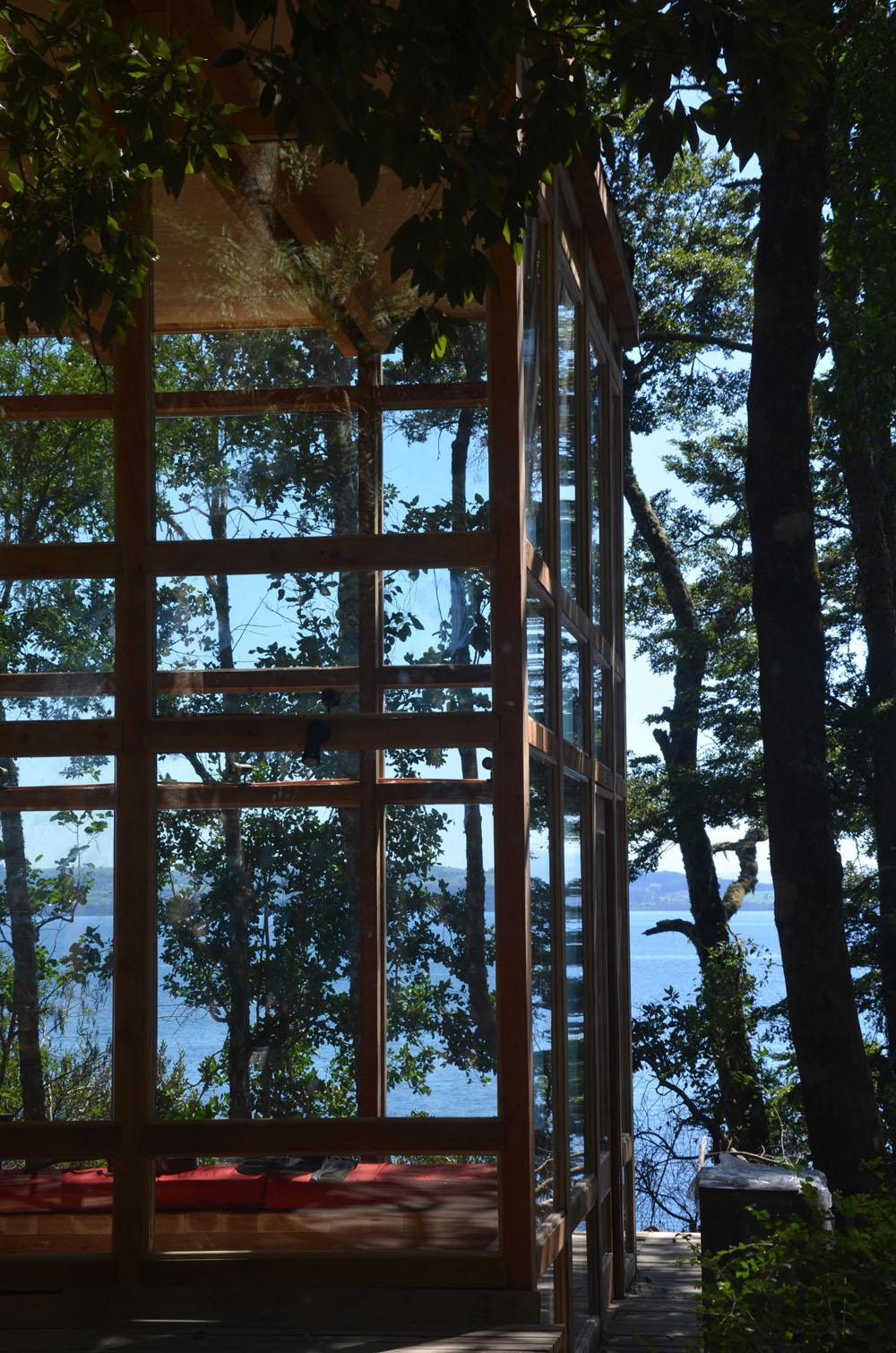 the-tree-mag_house-at-rupanco-lake-by-squella-arquitectos_80s.jpg
