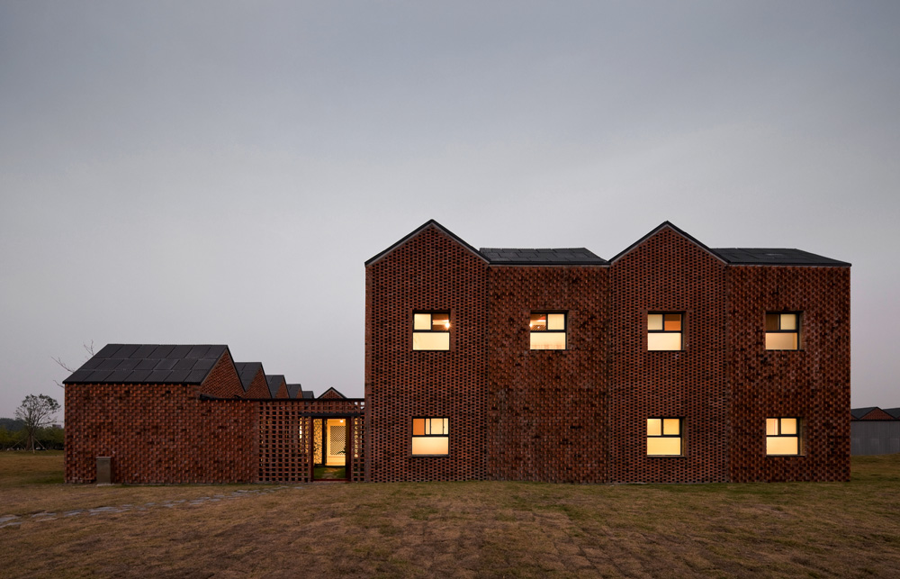 the-tree-mag_three-courtyard-community-centre-by-azl-architects_40.jpg