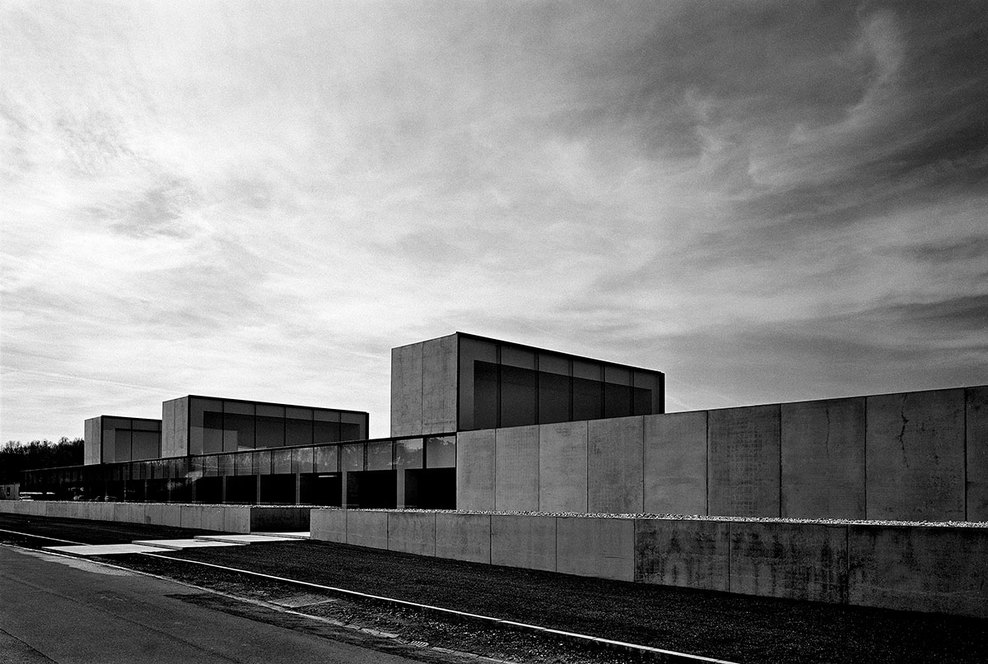 the-tree-mag_office-building-at-waregem-by-vincent-van-duysen_30.jpg