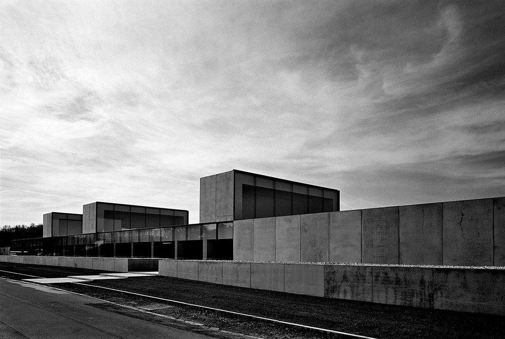 the-tree-mag_office-building-at-waregem-by-vincent-van-duysen_30.jpg