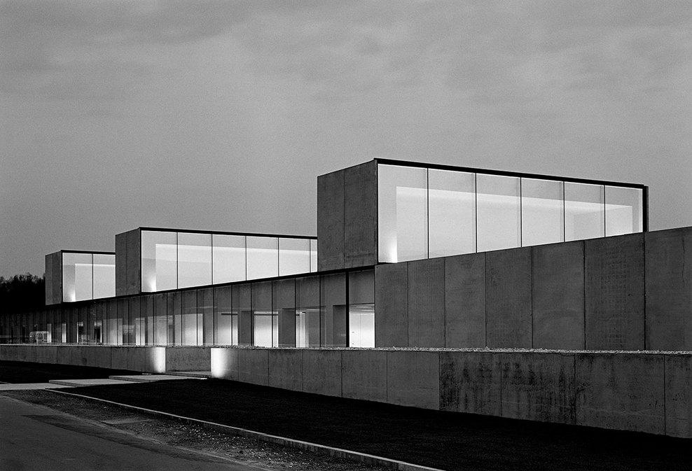 the-tree-mag_office-building-at-waregem-by-vincent-van-duysen_150.jpg