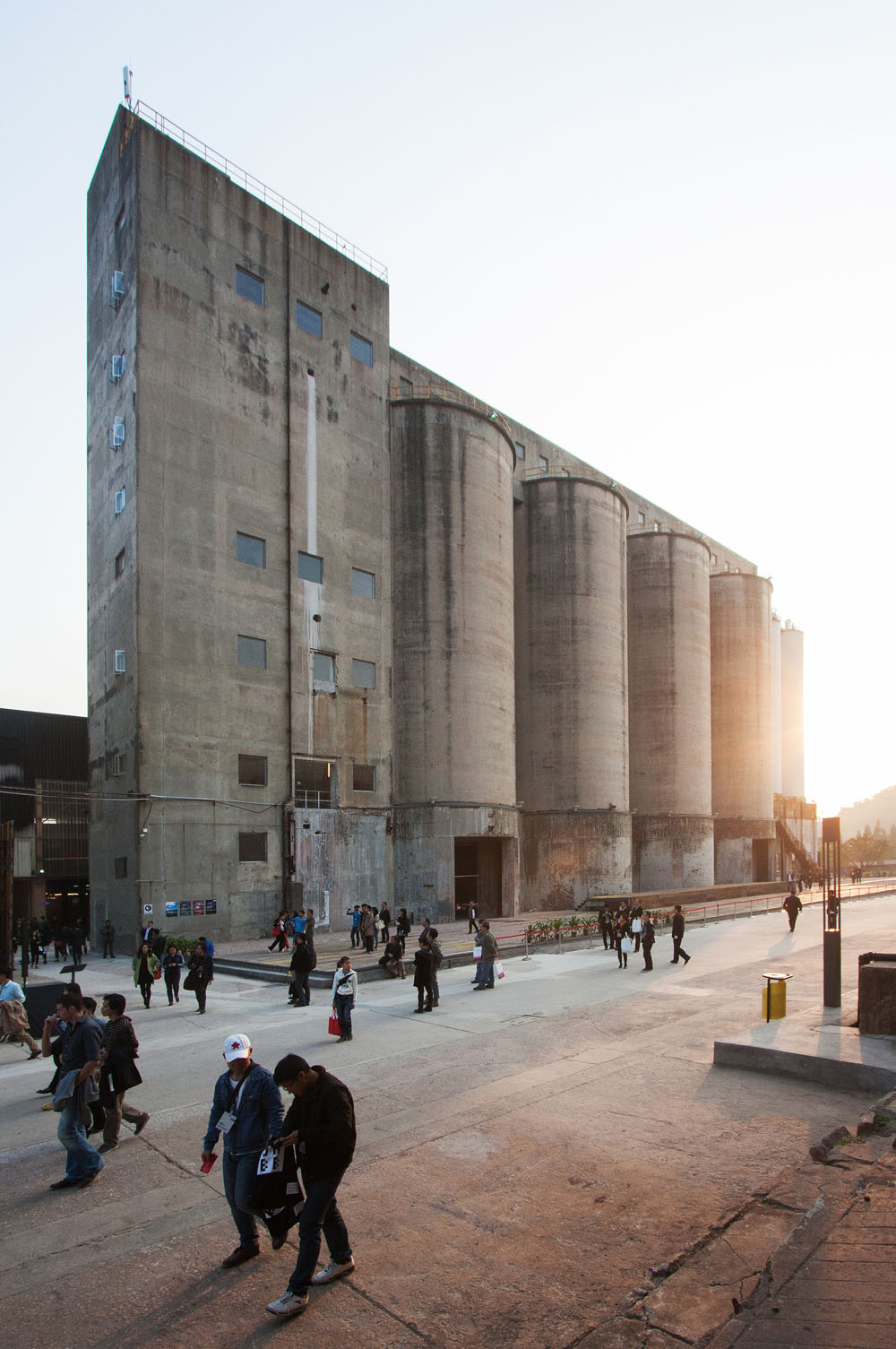 the-tree-mag_sz-hk-biennale-silo-reconversion-by-o-office-architects_50.jpg