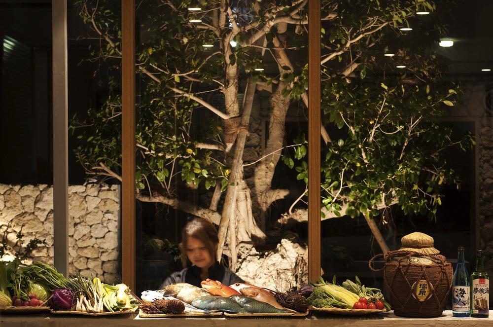 the-tree-mag_itoman-gyomin-syokudo-by-yamazaki-kentaro_20.jpg