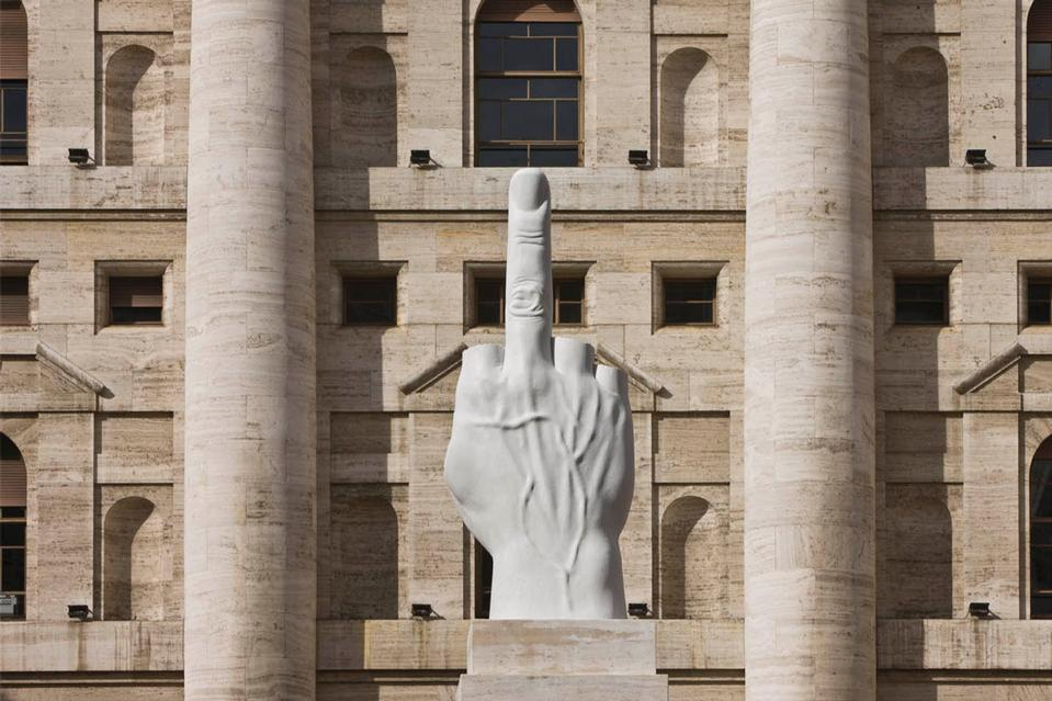 the-tree-mag_love-by-maurizio-cattelan_30.jpg