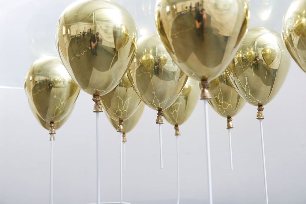 the-tree-mag_THE UP BALLOON TABLE by Christopher Duffy_70.jpg