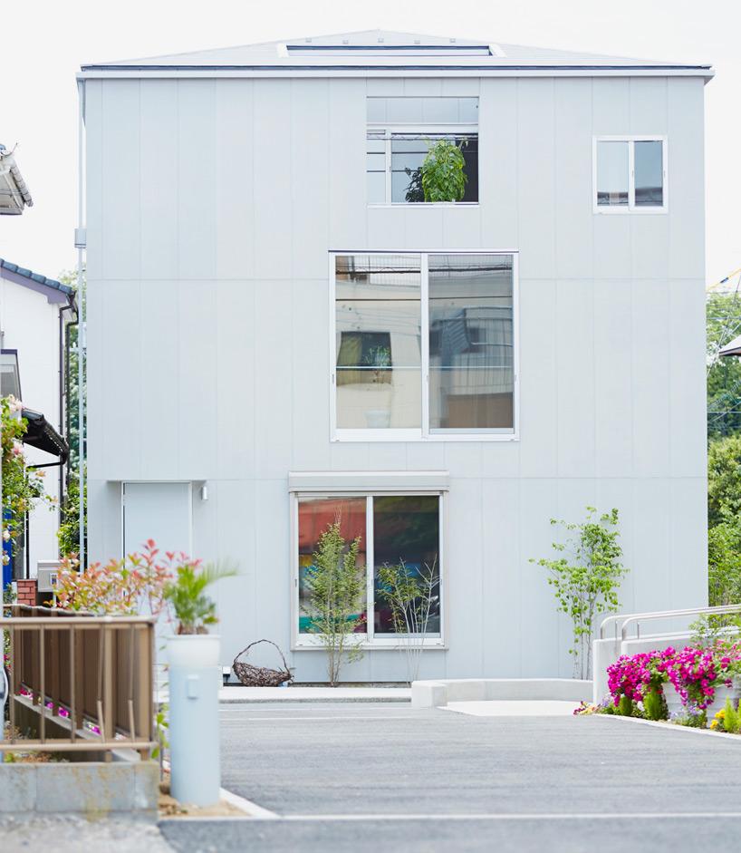 hiroyuki-shinozaki-house-S-for-a-family-designboom-10.jpg