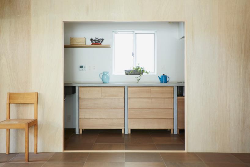 hiroyuki-shinozaki-house-S-for-a-family-designboom-08.jpg