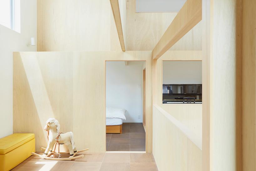 hiroyuki-shinozaki-house-S-for-a-family-designboom-07.jpg