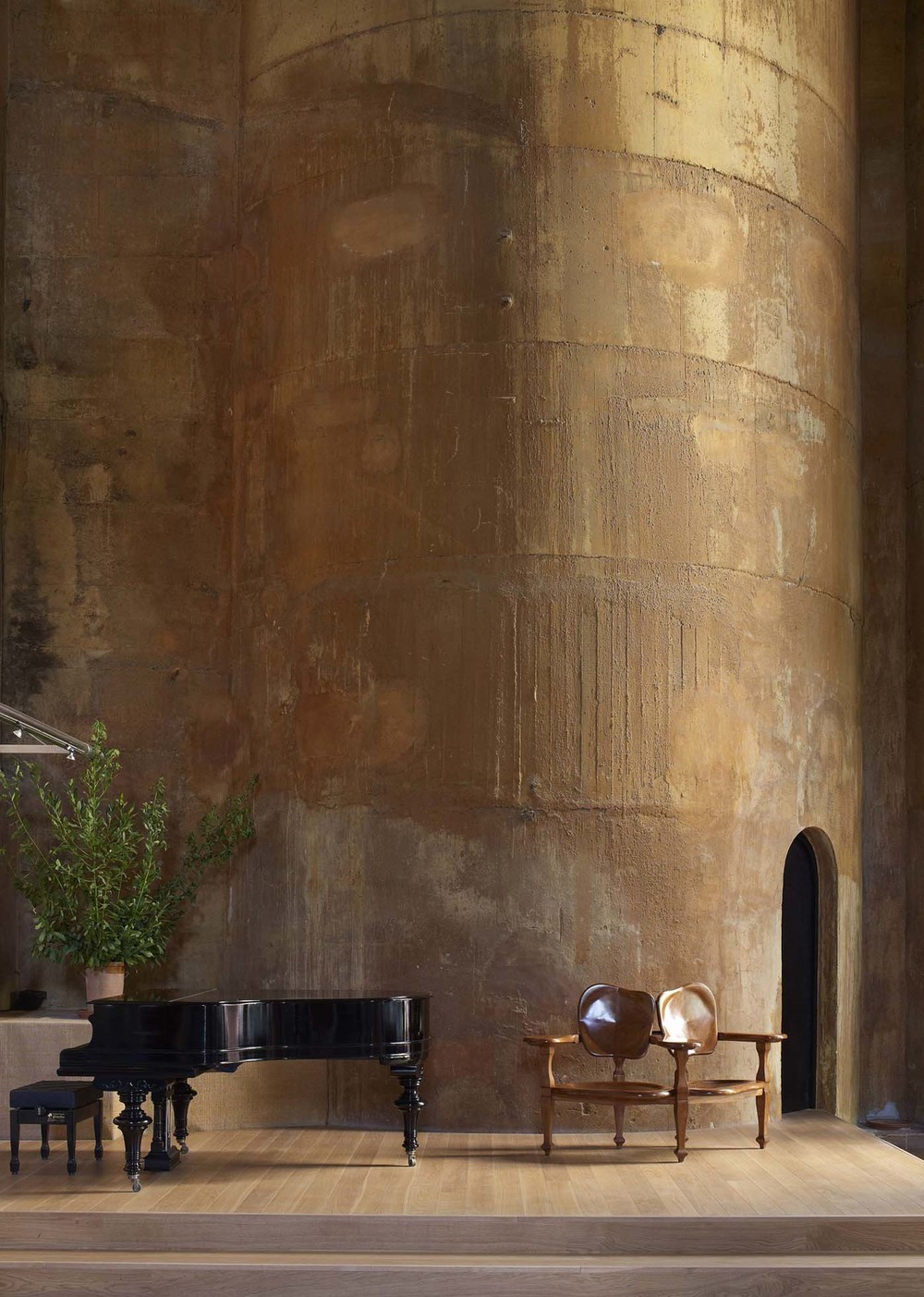the-tree-mag_the-factory-by-ricardo-bofill_140.jpg