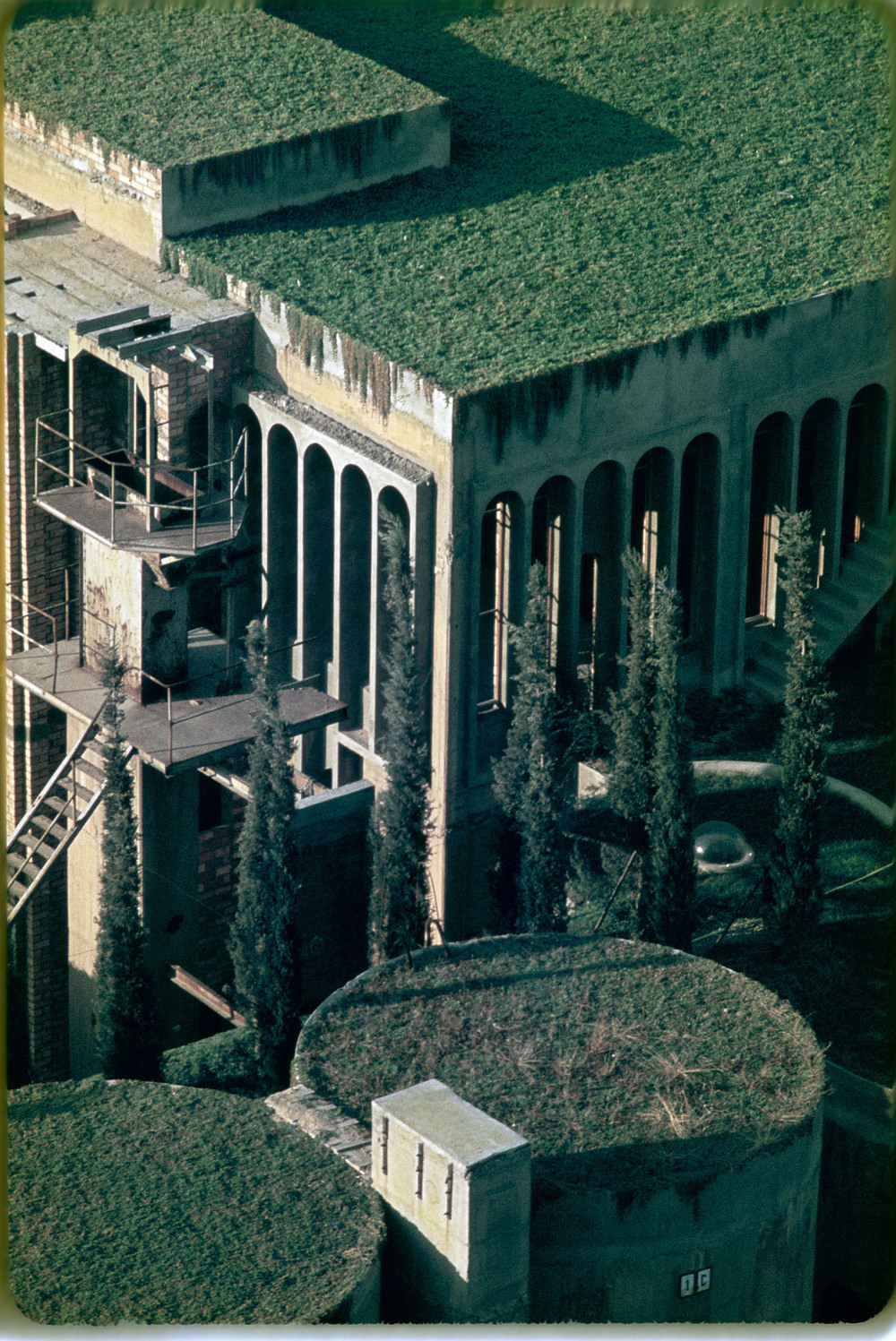 the-tree-mag_the-factory-by-ricardo-bofill_190b.jpg