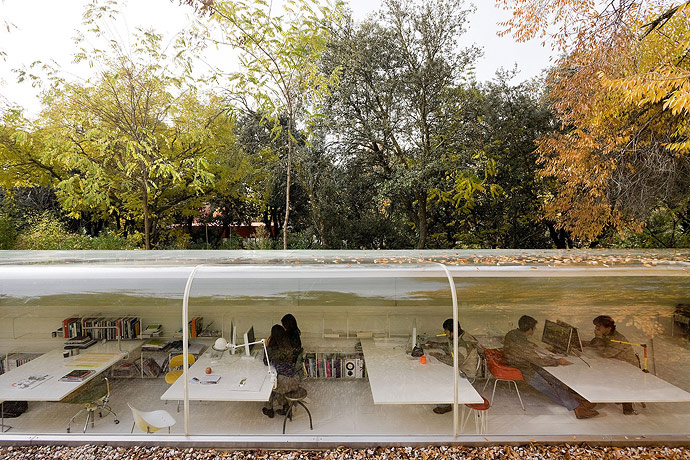 the-tree-mag_architects-offices-by-selgas-cano_40.jpg