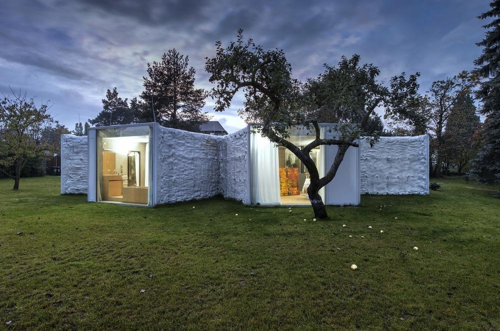 the-tree-mag_chameleon-house-by-petr-hjek-architekti_100.jpg