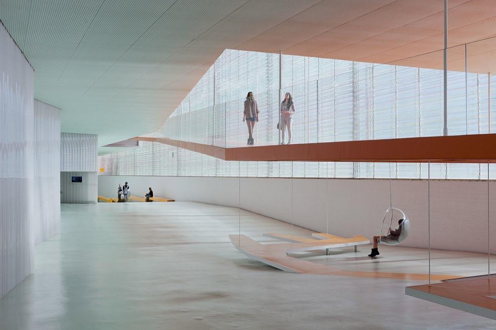 the-tree-mag_el-batel-auditorium-by-selgas-cano_30.jpg