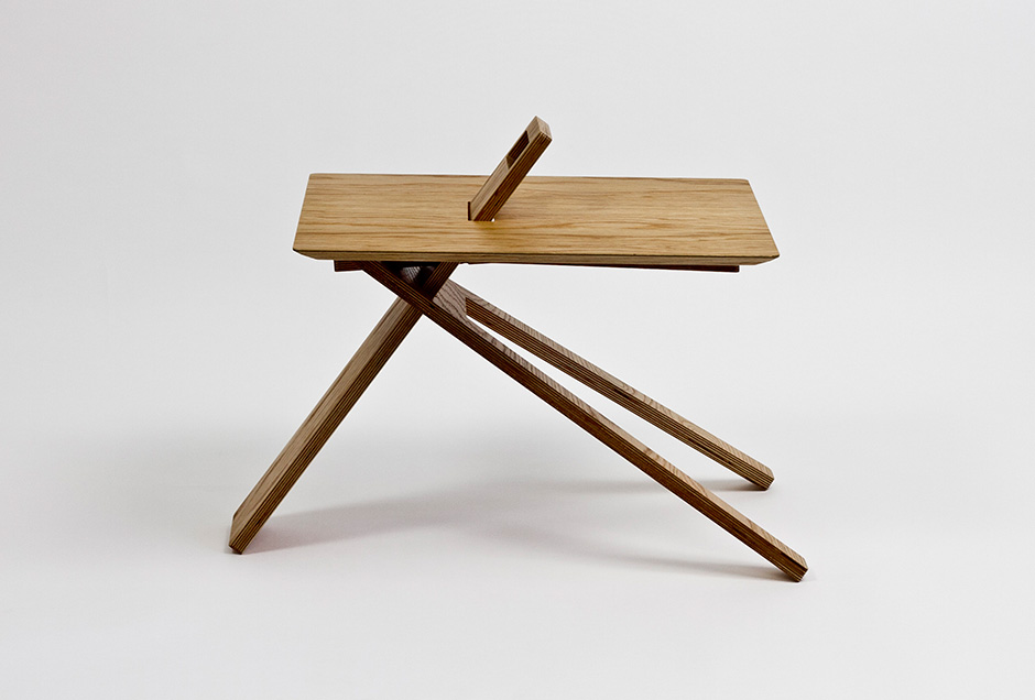 the-tree-mag_tripod-wood-side-table-by-noon-studio_10.jpg