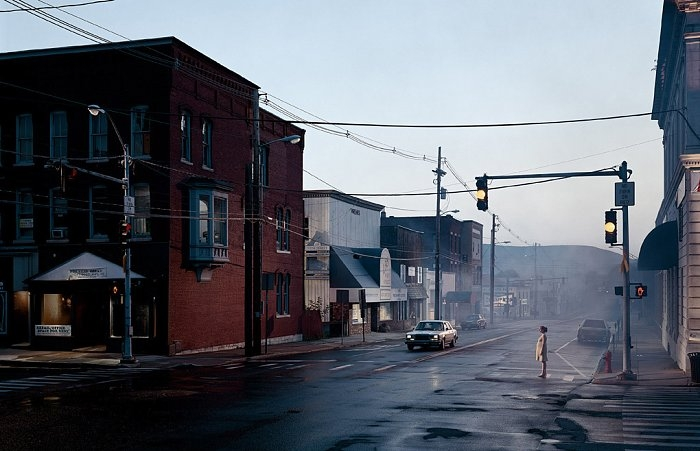 the-tree-mag_gregory-crewdson_90.jpg