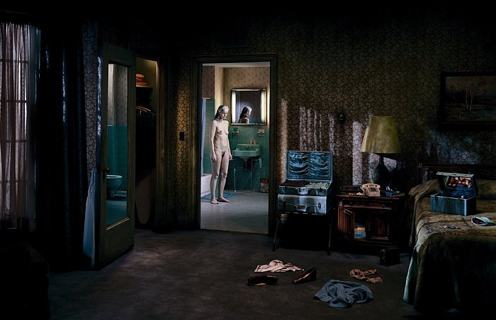 the-tree-mag_gregory-crewdson_140.jpg