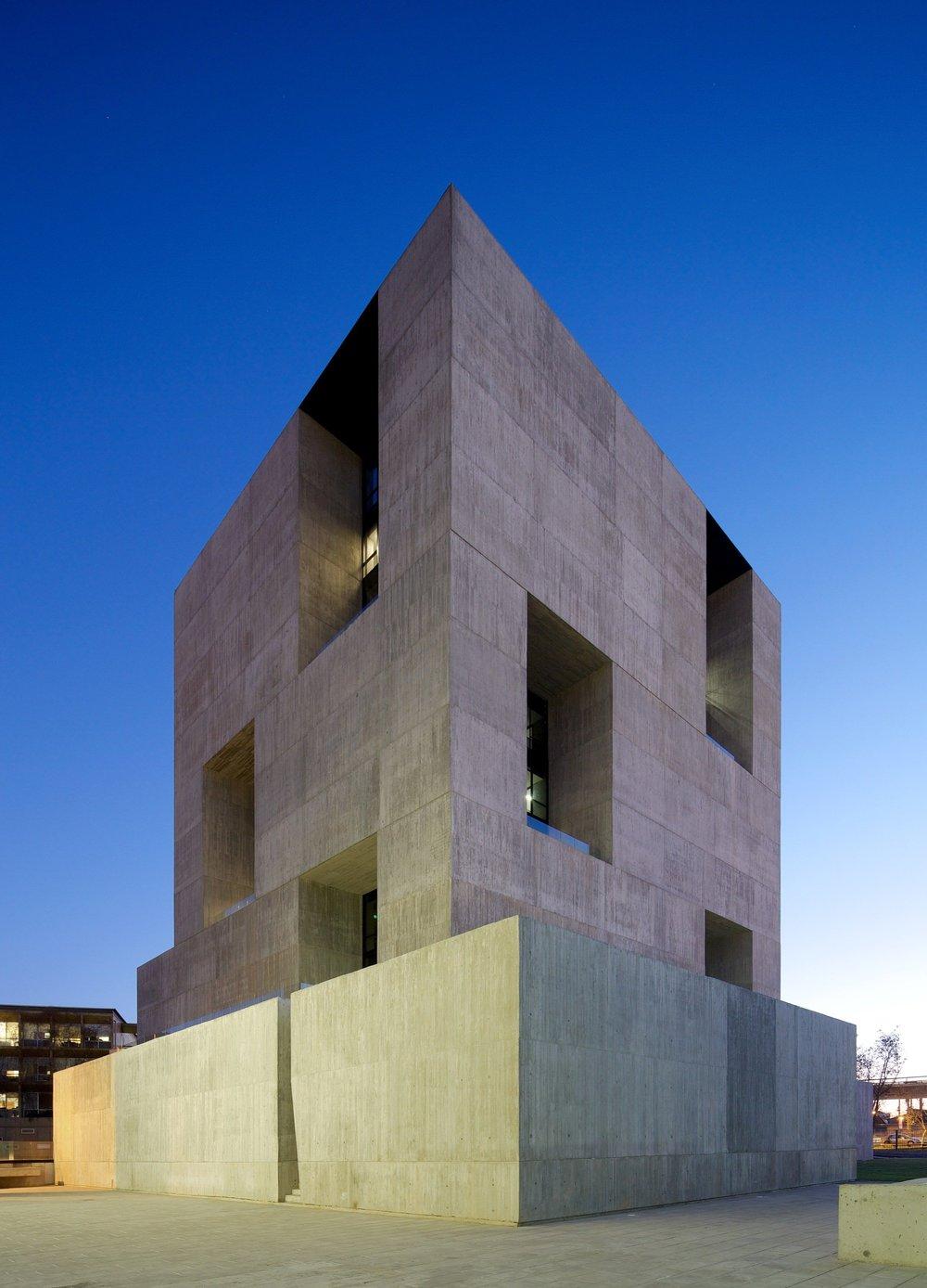 Innovation Center UC – Anacleto Angelini di Alejandro Aravena ELEMENTAL_the-tree-mag_04.jpg