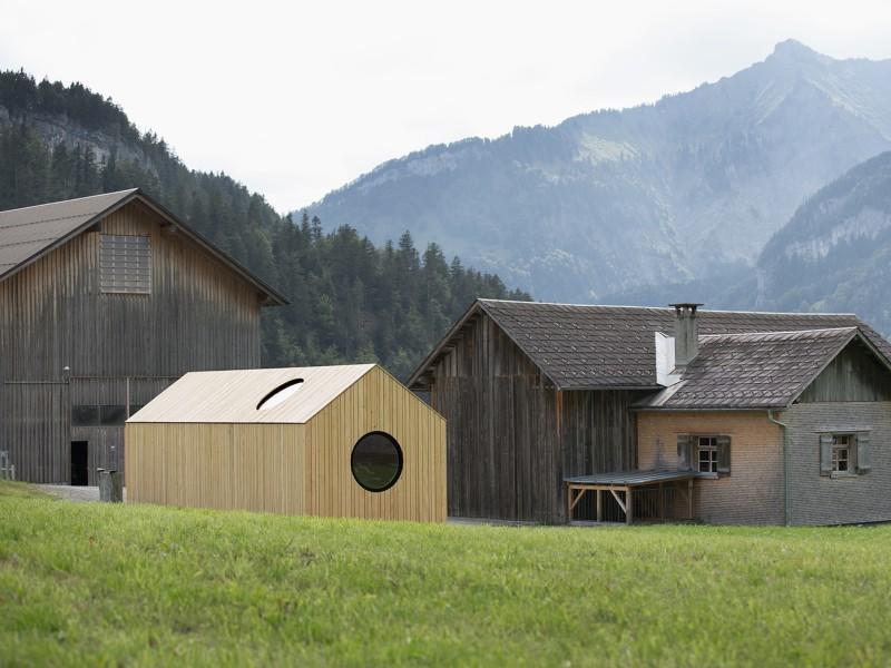 the-tree-mag-transportable-pavilion-by-innauer-matt-architekten-20.jpg