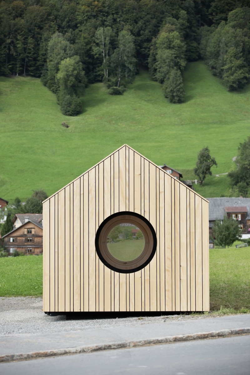the-tree-mag-transportable-pavilion-by-innauer-matt-architekten-10.jpg