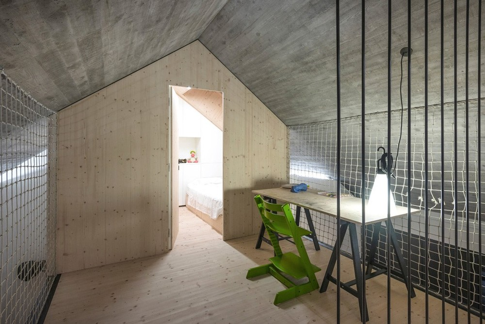 the-tree-mag-compact-karst-house-by-dekleva-gregoric-architects-80.jpg