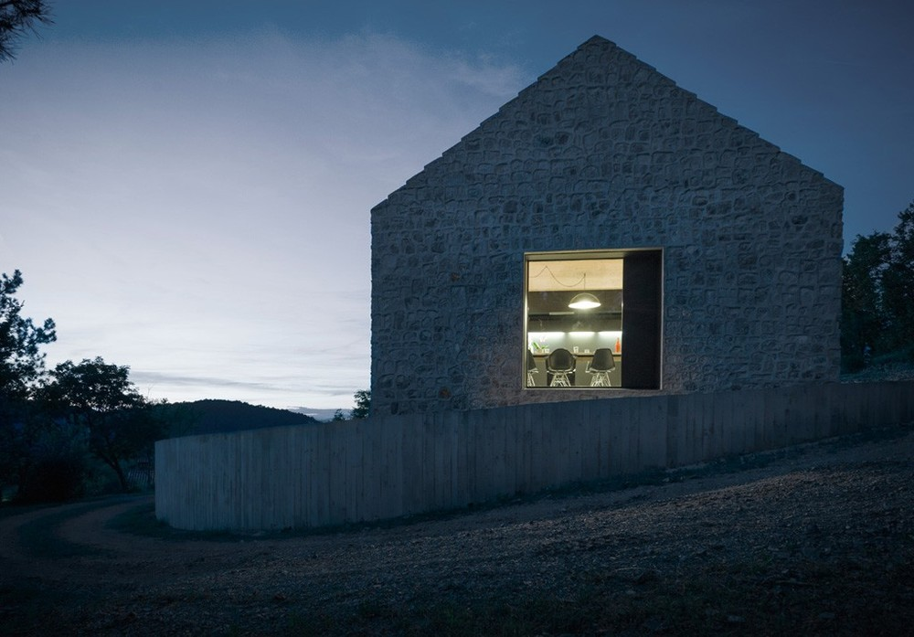 the-tree-mag-compact-karst-house-by-dekleva-gregoric-architects-150.jpg