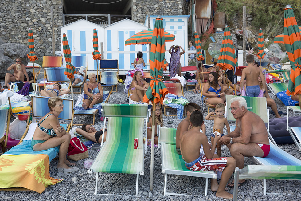 the-tree-mag-the-amalfi-coast-by-martin-parr-60.jpg