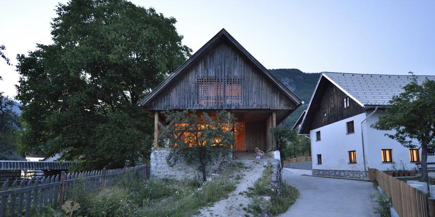 the-tree-mag-alpine-barn-apartment-by-ofis-arhitekti-70.jpg