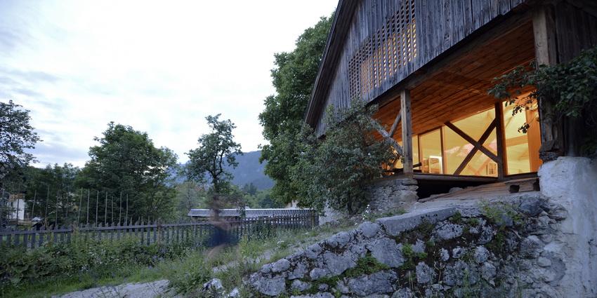 the-tree-mag-alpine-barn-apartment-by-ofis-arhitekti-80.jpg