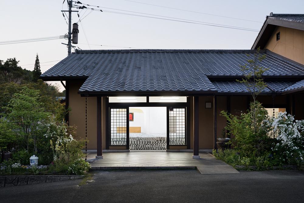 the-tree-mag-maruhiro-flagship-store-by-yusuke-seki-140.jpg