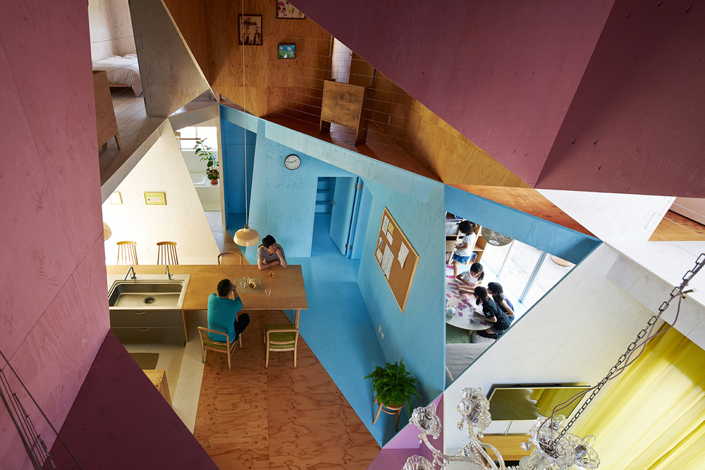 the-tree-mag-apartment-house-by-kochi-architects-studio-10.jpg