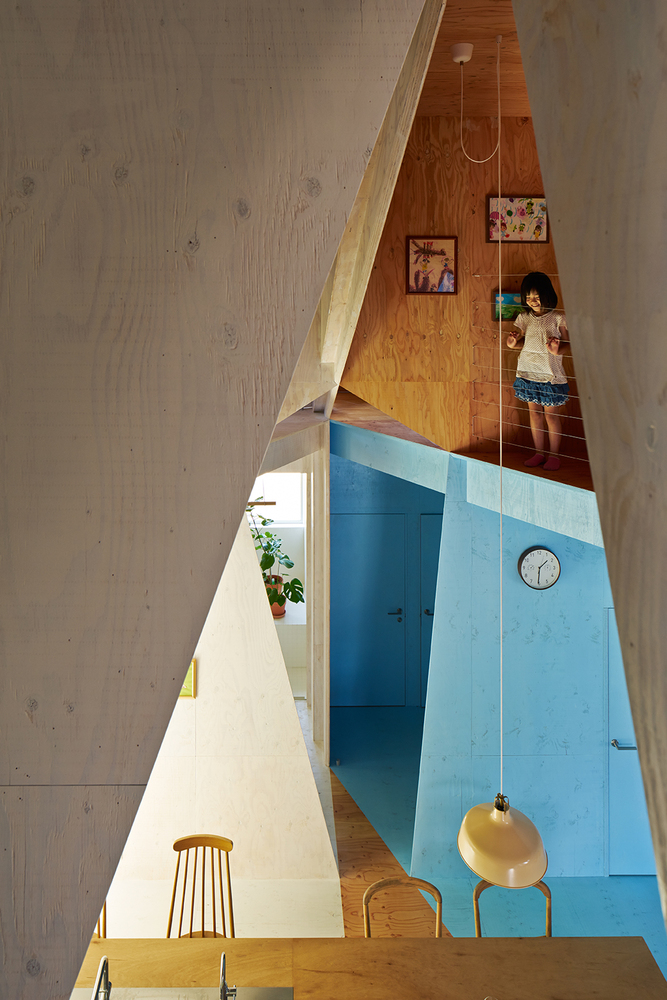 the-tree-mag-apartment-house-by-kochi-architects-studio-60.jpg