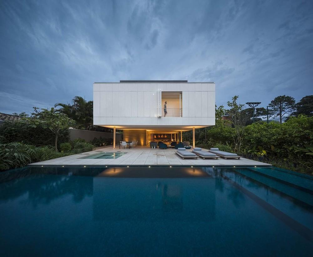 the-tree-mag-white-house-by-studio-mk27-marcio-kogan-eduardo-chalabi-10.jpg