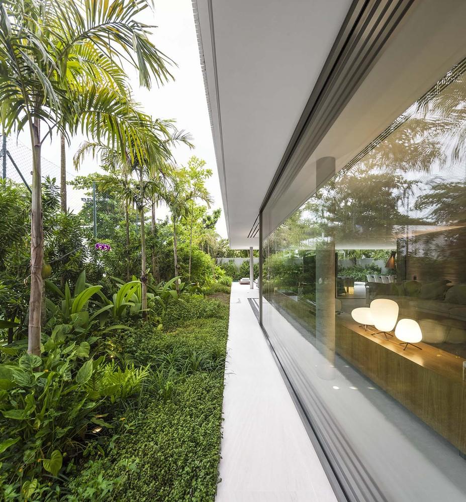 the-tree-mag-white-house-by-studio-mk27-marcio-kogan-eduardo-chalabi-60.jpg