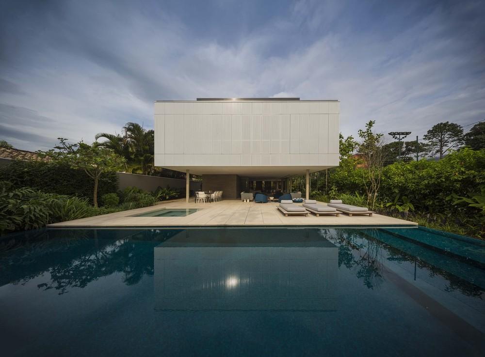 the-tree-mag-white-house-by-studio-mk27-marcio-kogan-eduardo-chalabi-90.jpg