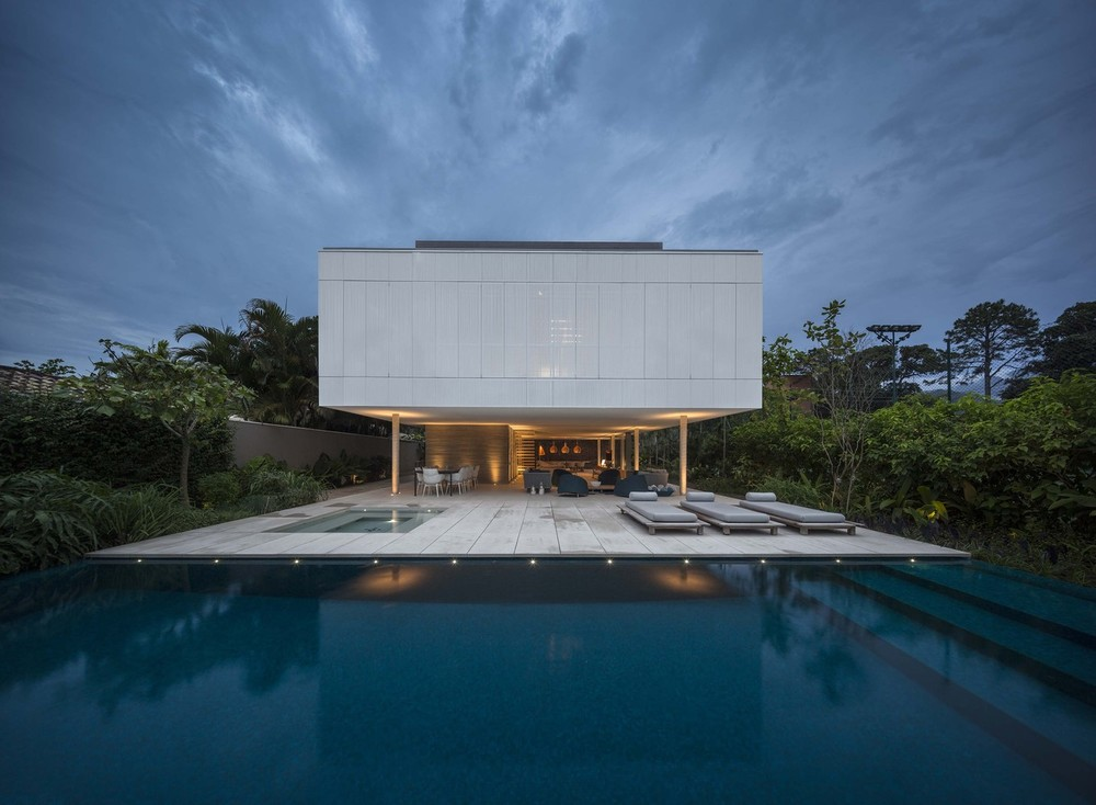 the-tree-mag-white-house-by-studio-mk27-marcio-kogan-eduardo-chalabi-110.jpg